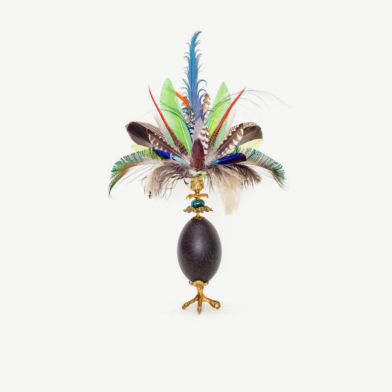 Emu egg with feathercrown - 62cm